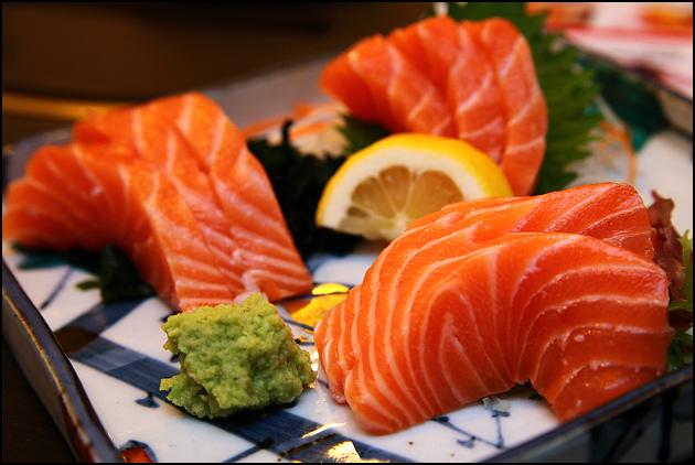 Thành phần dinh dưỡng và những tác dụng có trong cá hồi nguyên con